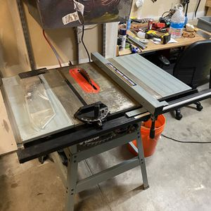 Delta 10 Inch Table Saw for Sale in Redmond, WA