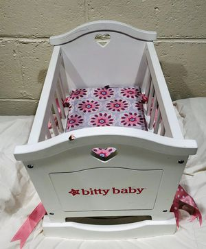 American Girl - Bitty Baby Rocking Baby Crib for Sale in Richland, WA