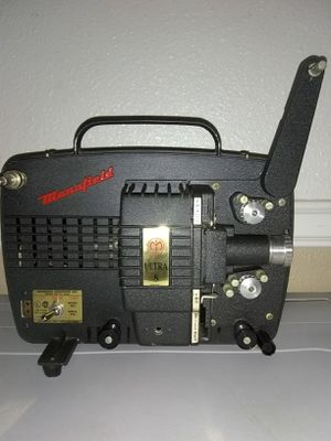 Mansfield Ultra 8 mm Zoom Projector, working for Sale in Anaheim, CA