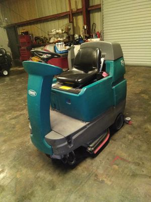 Floor scrubber. Tennant. Runs great batteries fairly new. New about $7500.00 to $9000.00 asking $3200.00. have five machines to sell for Sale in Clearwater, FL
