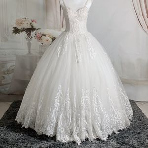 Spaghetti Strap Beading/lace Embroidery Wedding Dress/reception Dress/ Quinceanera&Sweet 16 Dress, Size 2-4 for Sale in Fort Lauderdale, FL