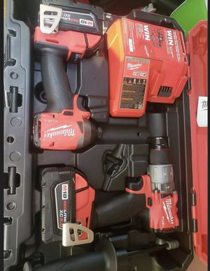 Milwaukee FUEL 18-Volt Lithium-Ion Brushless Cordless Hammer Drill and Impact Driver Combo Kit (2-Tool) with Two 5Ah Batteries for Sale in Chicago, IL