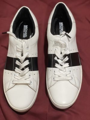 Michael Kors Women's Tennis Shoe 7.5 M for Sale in Santa Fe Springs, CA