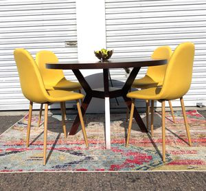 """West elm Mid century round 48"""" dining table set with 4 chairs MCM for Sale in San Diego, CA"""
