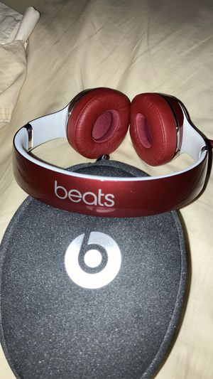 Beats by Dr. Dre Solo 2 Luxe Edition Wired - Burgundy for Sale in Austin, TX