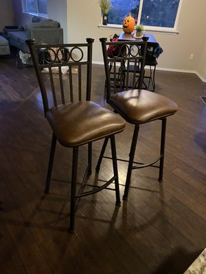 2 bar stools for Sale in Puyallup, WA