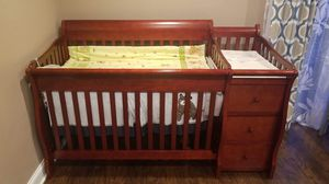 Sorelle Crib with changing table and storage for Sale in Schaumburg, IL
