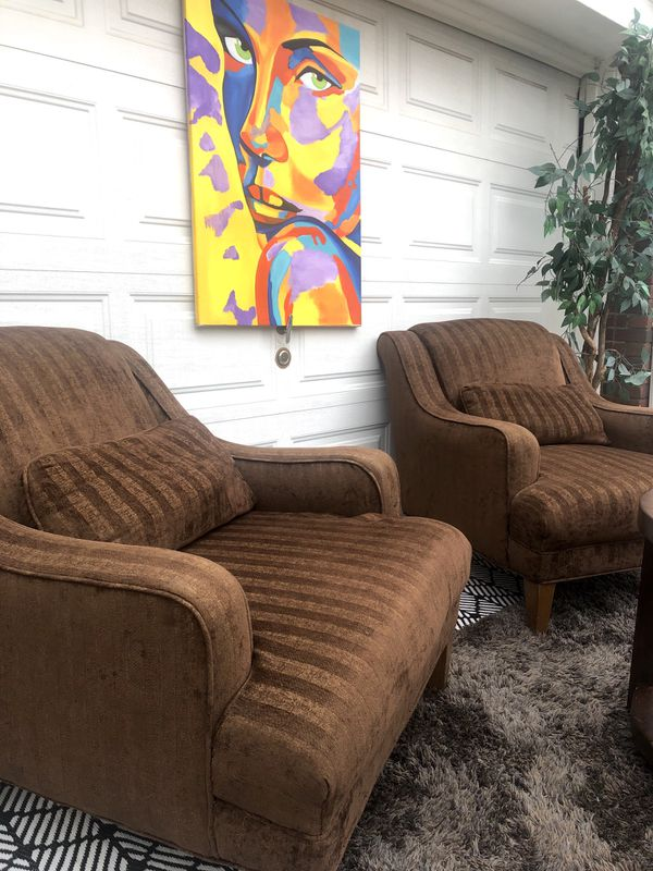 2 quality vintage chairs. Free delivery