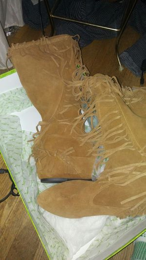 New sam elderman suede Fringe boots size 8 medium for Sale in Stoneham, MA