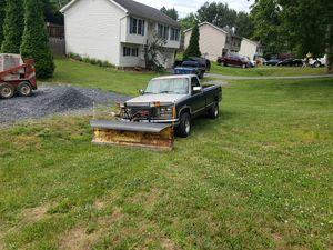 88 gmc sierra 1500 4x4 with plow for Sale in Martinsburg, WV