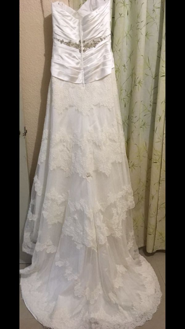 Wedding dress!! $500 Impression Bridal Dress size 8