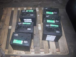 Used batteries - Very good condition for Sale in Pompano Beach, FL