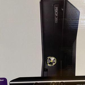 Xbox 360 & Games (w/o Kinect) for Sale in Miami, FL