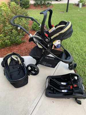 Stroller with car seat 3 in 1 Babytrend for Sale in Vero Beach, FL