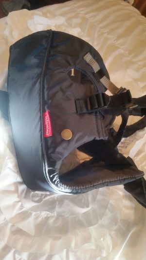 New infant baby carrier for Sale in Fort Worth, TX