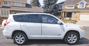 Transferable wheels 2006 TOYOTA RAV4 Runs perfectly for Sale in Columbus, OH