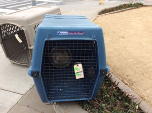 Dog crate - Blue for Sale in Pacific Grove, CA