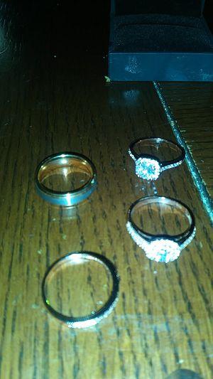 WEDDING RING SET for Sale in Melrose Park, IL