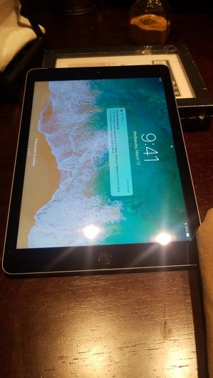 iPad 5th gen wifi + LTE cellular unlocked for all carriers for Sale in Tempe, AZ