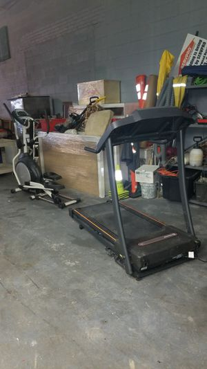 Treadmill en elliptical for Sale in Melrose Park, IL