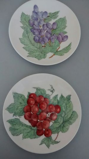 Fruit themed hand painted plate set vintage for Sale in Perris, CA