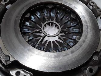 OE Nissan/Infiniti like new Clutch kit (pressure plate and disc) 30205-JK40C for Sale in Seattle,  WA