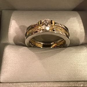 👰🤩💍18K Gold plated Engagement/ Wedding Ring Set for Sale in Dallas, TX