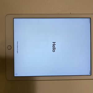 5th Generation iPad for Sale in Portland, OR