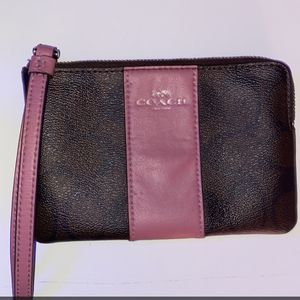 Coach Wristlet ! for Sale in Coal Center, PA