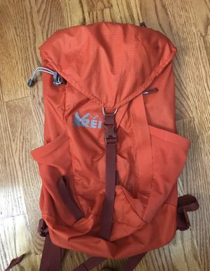 REI Flash 22 backpack for Sale in Fullerton, CA