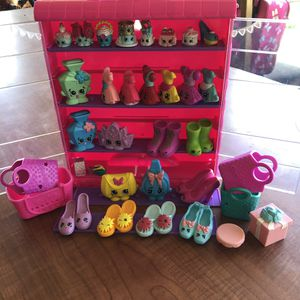 SHOPKINS TOYS WITH CASE for Sale in Stockton, CA