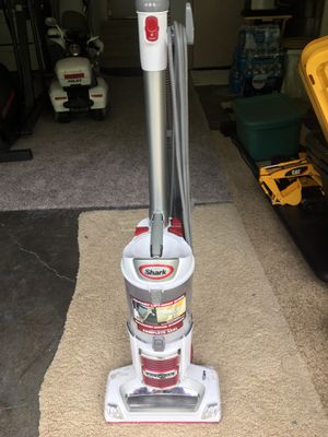 SHARK Vacuum for Sale in Federal Way, WA