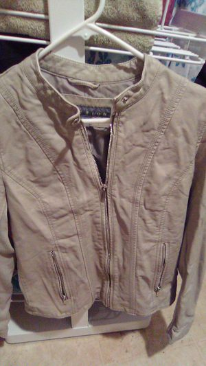 Woman's grey leather jacket for Sale in Everett, WA