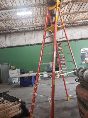 WERNER Fiberglass Podium Stepladder, 16 ft. MAX Ladder Height, 10 ft. Platform Height, 300 lb. 275.00 OBO for Sale in Ellenwood, GA