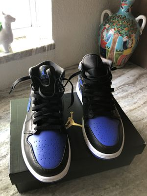 (Brand new) Air Jordan 1 mid for Sale in Tampa, FL