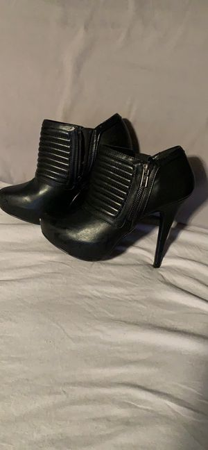Ladies heels size 7 for Sale in Round Rock, TX