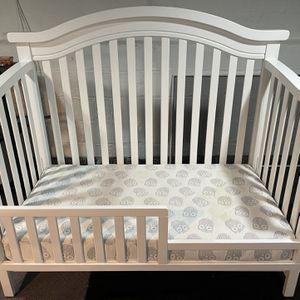 Sorelle Vista Elite 4-in-1 Crib And Toddler rail for Sale in Elizabeth, NJ