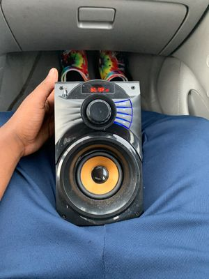 Bluetooth Speaker and radio for Sale in Garner, NC