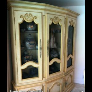 Country Style shelves Cabinet beautifully finished - Used in perfect condition. for Sale in Fort Lauderdale, FL