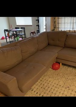 Brown Sectional (FREE DELIVERY) for Sale in Portland,  OR
