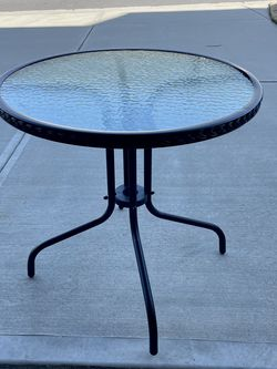 Black Metal Glass Patio Table for Sale in Huntersville,  NC