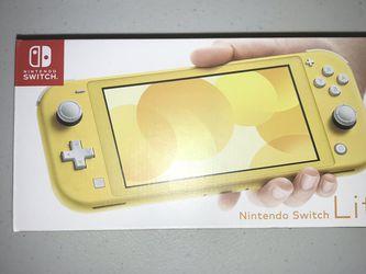 Nintendo Switch Lite Bundle (Yellow) for Sale in Orlando,  FL