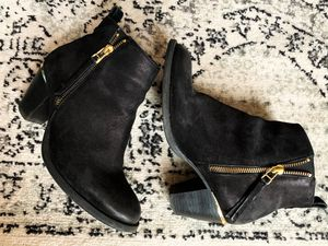 Steve Madden Booties w/ heel detail for Sale in New York, NY