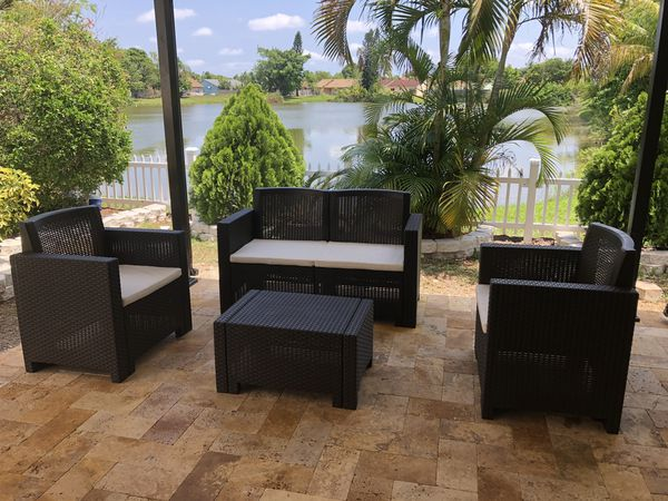 Italian outdoor patio furniture in its box 1 year warranty