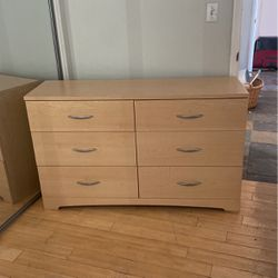 Light Finish Dresser for Sale in Duarte,  CA
