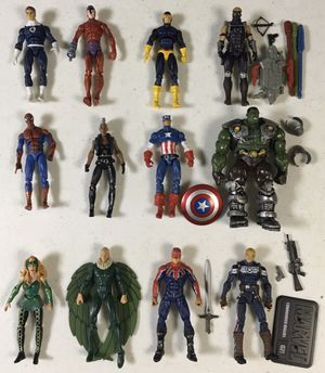 Marvel Universe Legends Figures Spiderman Storm Cyclops Hulk Hawkeye for Sale in River Grove, IL