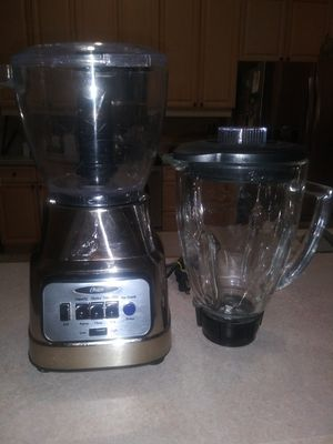 Osterizer blender with chopper.Glass jar. Perfect condition!! for Sale in Eustis, FL