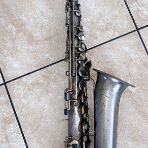 Trade Bear V Saxophone for Sale in Long Beach, CA