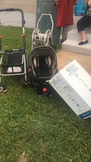 Graco Snugride 35LX Car Seat with 2 Bases and Frames Stroller for Sale in Maryland Heights, MO