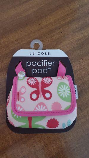 JJ Cole pacifier holder for Sale in Franklin Park, IL